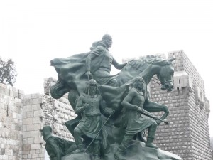 Statue_of_Saladin_Damascus